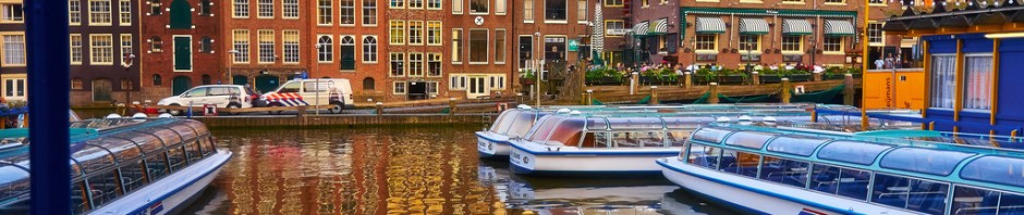 Use travel aggregation sites to save money on hotels in Amsterdam
