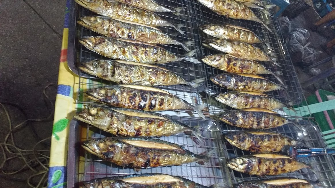 Prachuap Kirikhan - Fresh fish at the night market